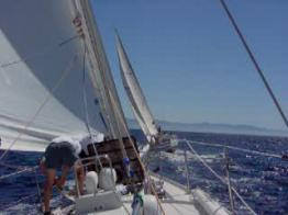 Video - Preparing to round windward mark